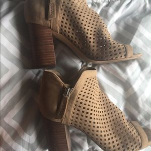 Guess Shoes - Soft summer heels